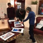 Yoshiko Sato is preparing a photo exhibition写真展準備中